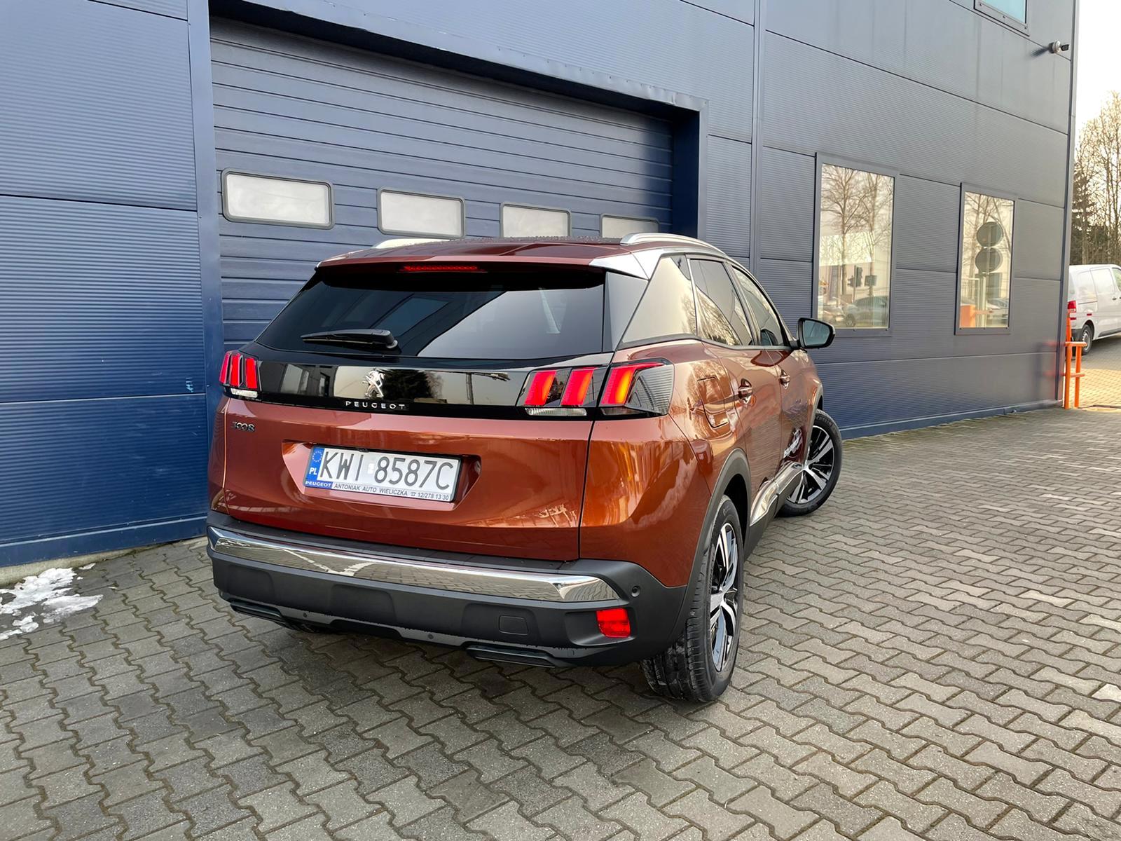 Freemoto - Peugeot 3008  1.2 PureTech Allure S&S EAT8