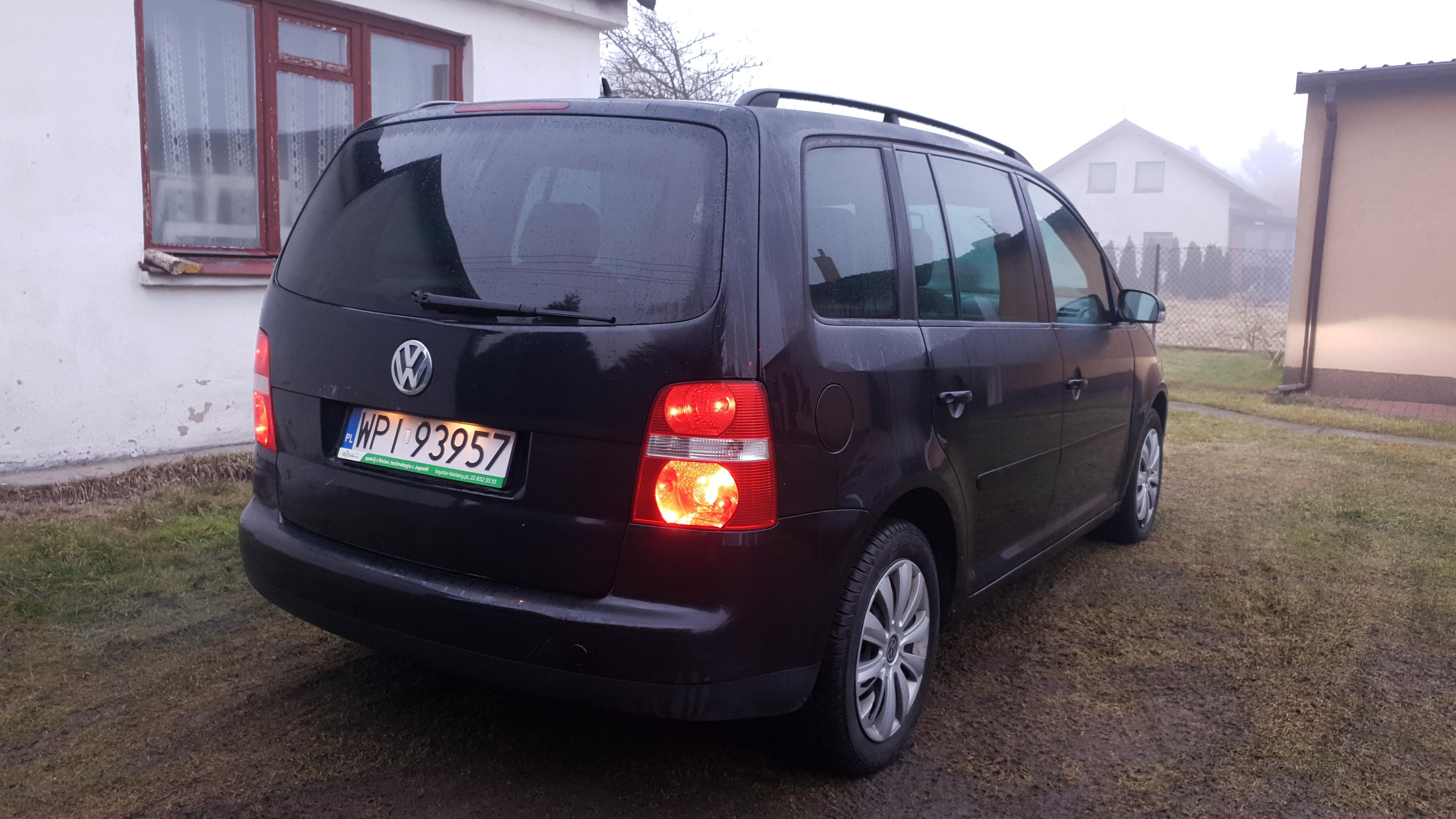 Freemoto - VW Touran 2.0 TDI 2005r