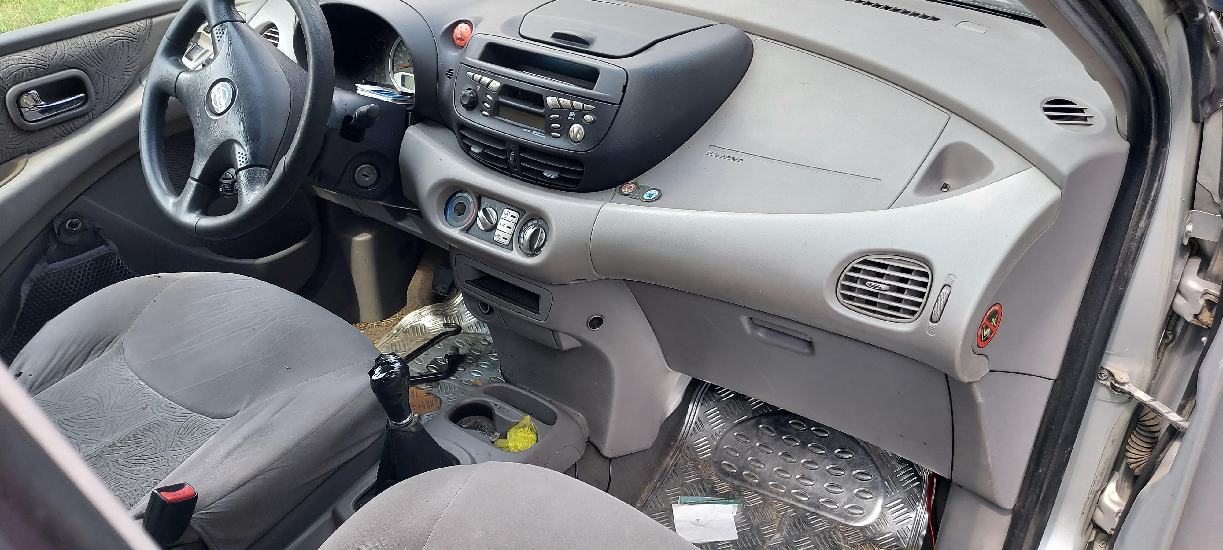 Freemoto - Nissan Almera Tino 2.2 Di – ważne OC, brak BT, w całości lub na części.
